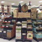 Criza coronavirusului obligă marii retaileri să-și reconsidere selecția de vinuri. Ce se întâmplă cu magazinele specializate?